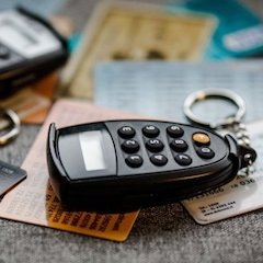 Prognozė pasitvirtino – kodų kortelės keliauja į stalčių